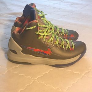 "Nike Kd 5 ""splatter"" size 8.5 men"